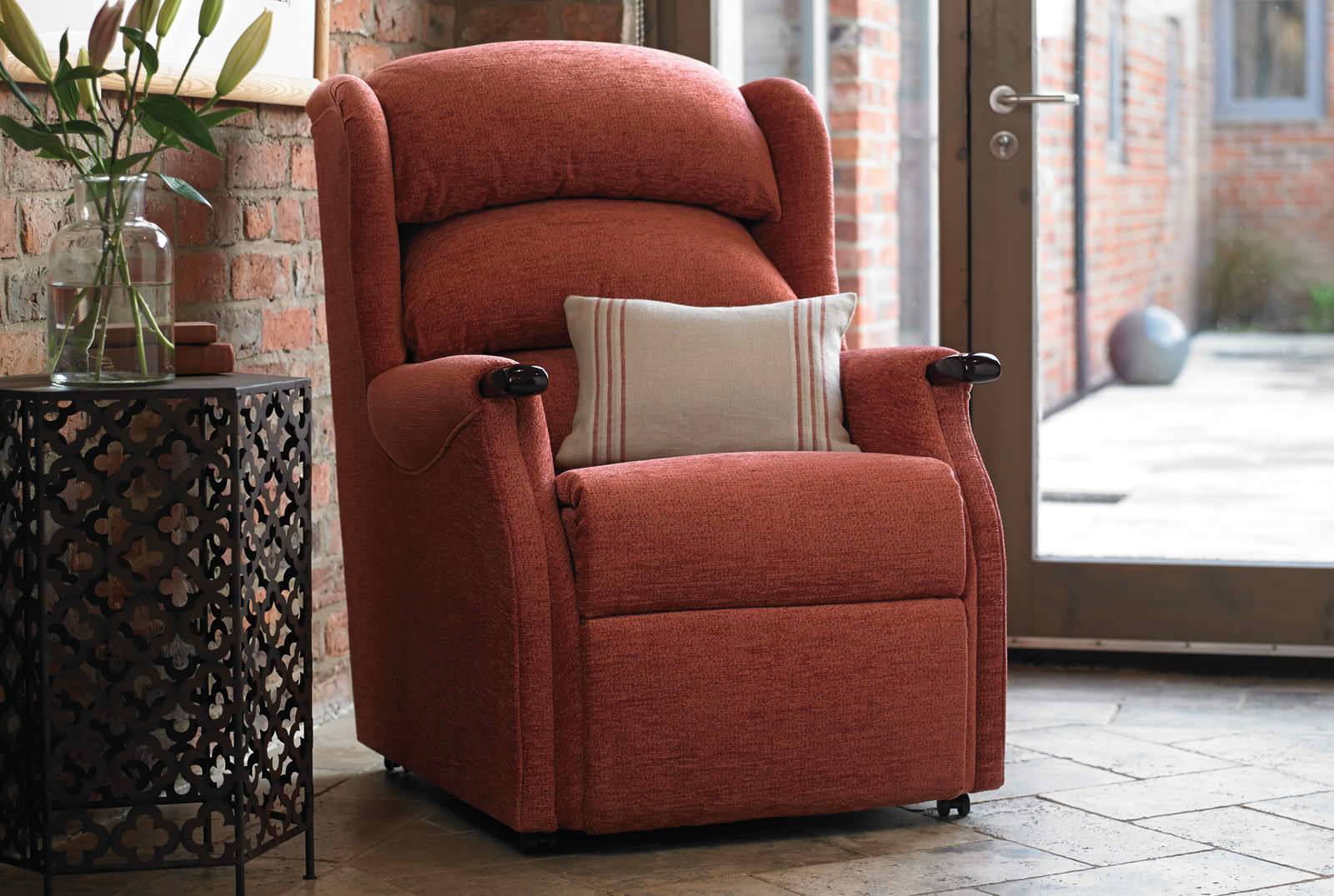 Linton Comfort Chair in Boucle Rose