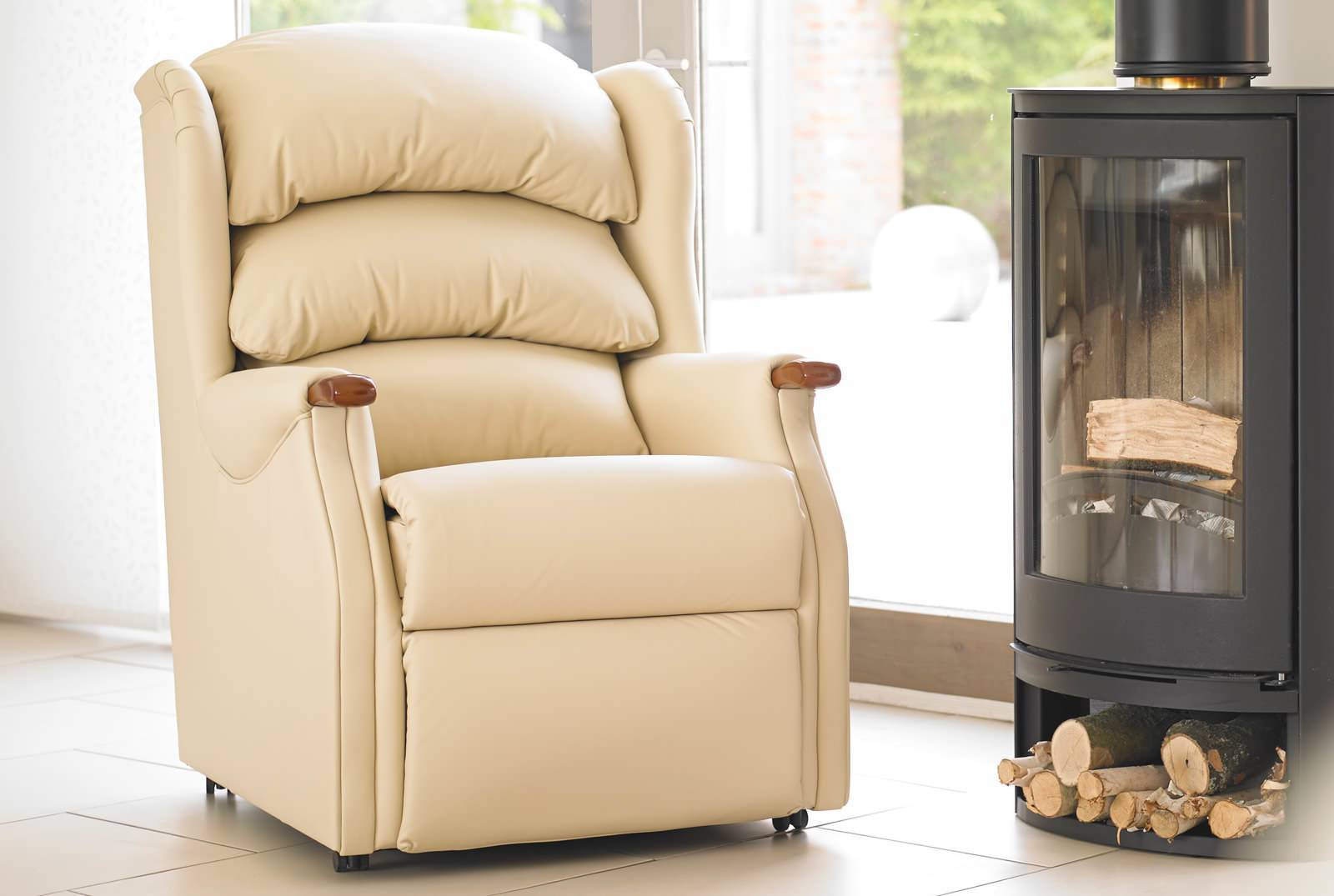 Linton Comfort Chair in Camden Cream