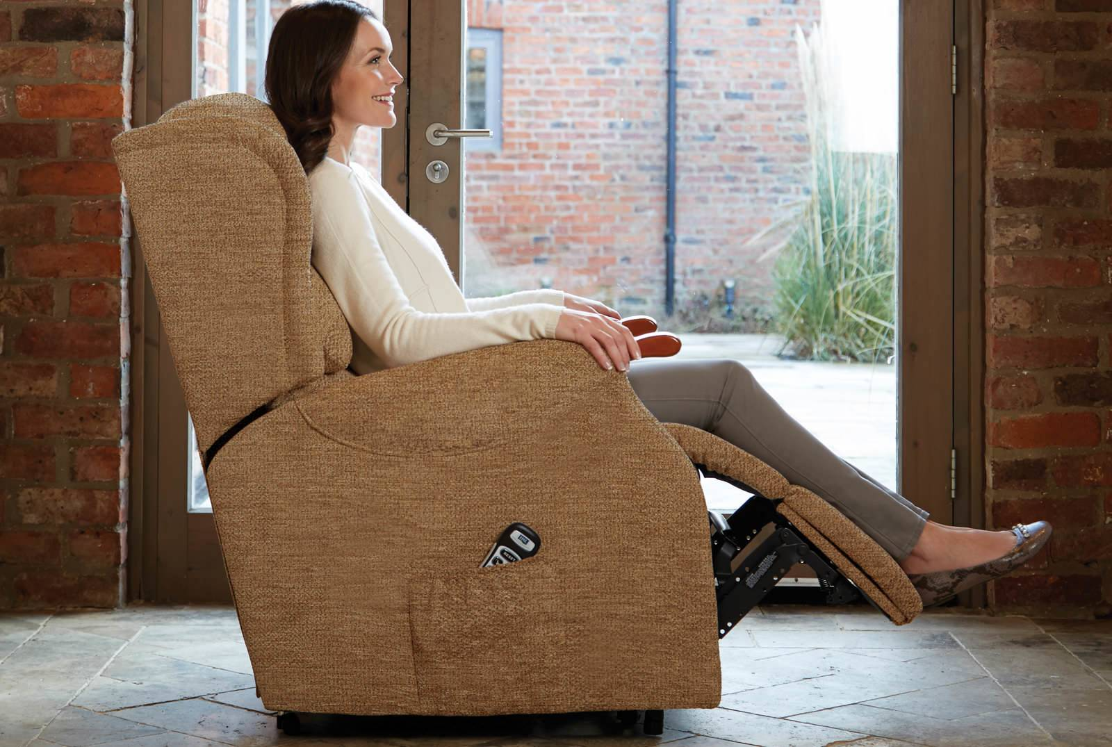 Linton Dual Motor Riser Recliner in Boucle Cocoa