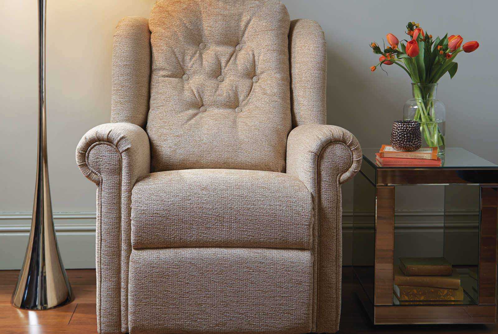 Hampton Relax Comfort Chair in Boucle Jute