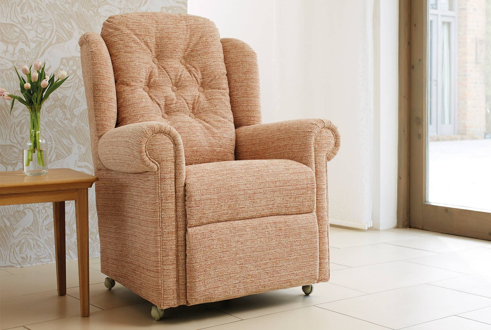 Hampton Relax Comfort Chair in Caledonian Plain Rose