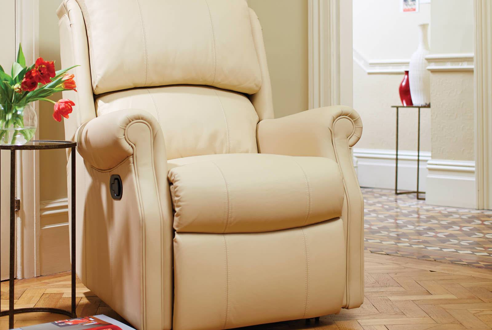 Berwick Catch Recliner in Camden Cream Leather