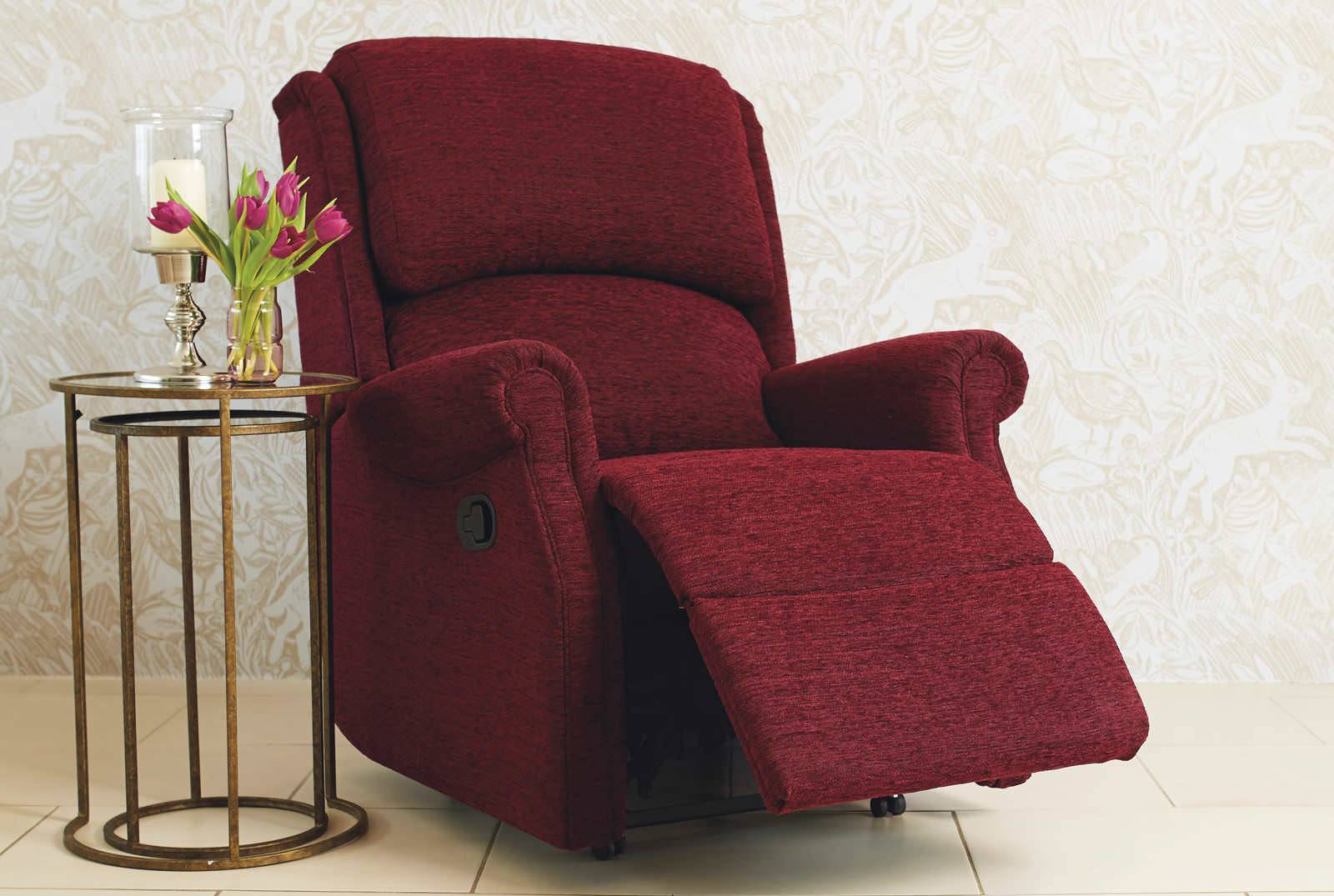 Berwick Catch Recliner in Vienna Plum