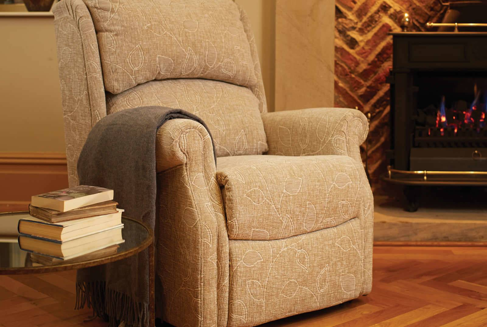 Berwick Comfort Chair in Montana Floral Cocoa