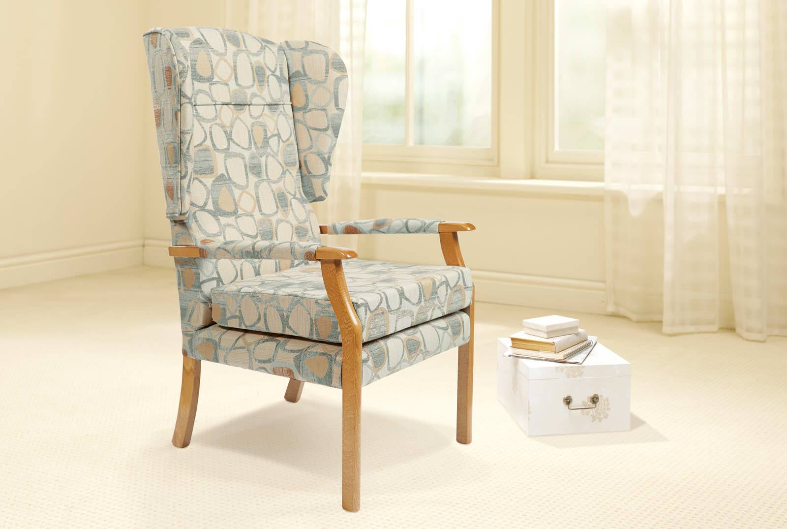 Oakdale Comfort Chair in Vibrance Pebble Blue