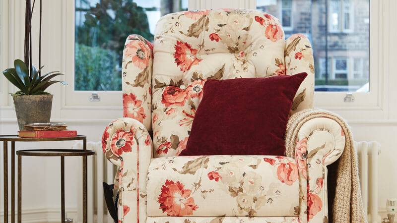 Hampton Relax Comfort Chair in Wolseley Red