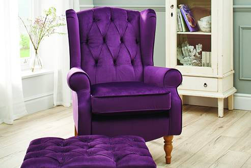 Glenmore Button Back Comfort Chair in Capri Plum