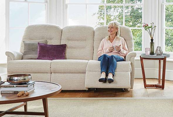 Penrith Three-Seater Catch Recliner