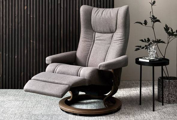 Stressless® Wing Classic Power Leg and Back Recliner